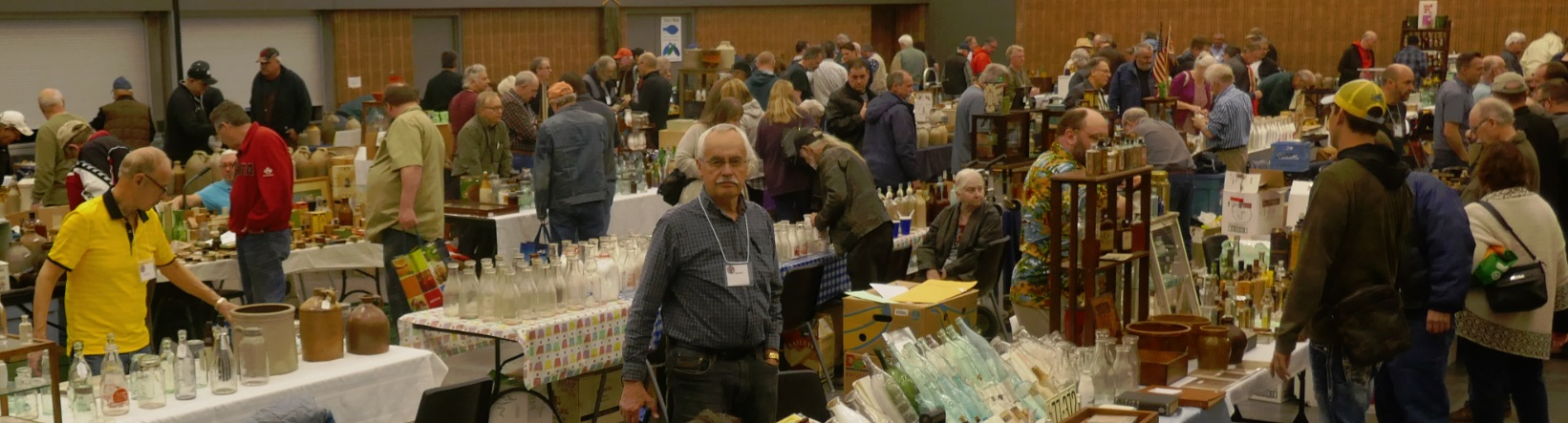a wide shot of the 2018 Toronto bottle show