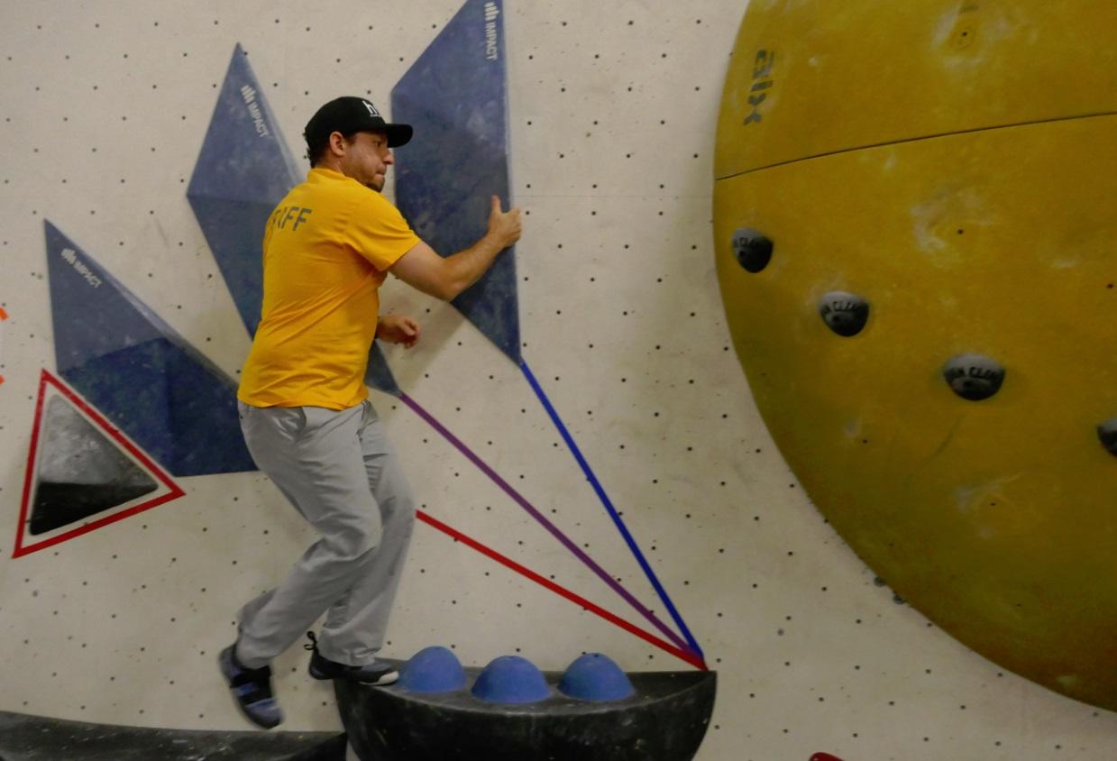 Brandon boulders at Hub Climbing