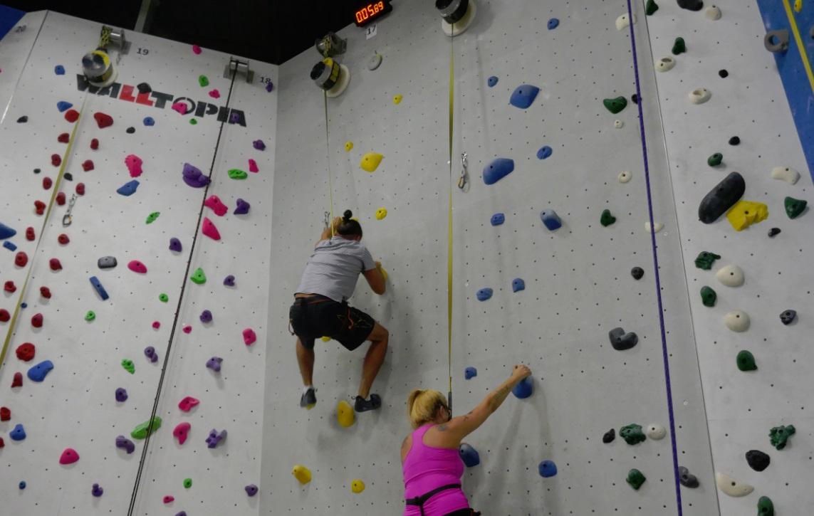 Speed Climbing at Hub - Speed Wall - Indoor Climbing Speed Wall